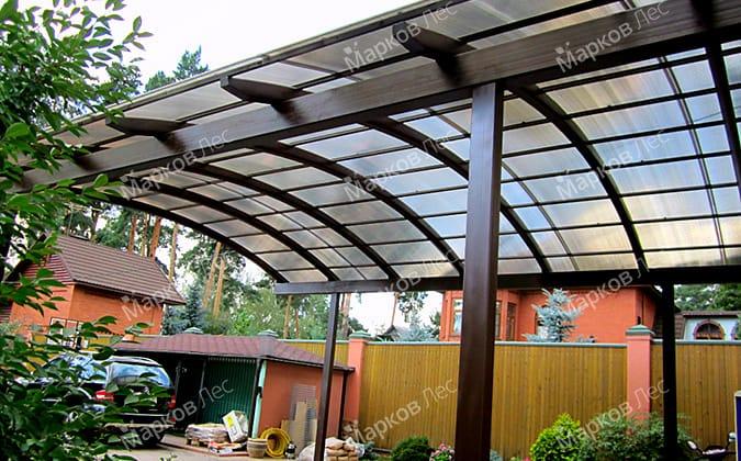 Теневой навес с арочной крышей из поликарбоната