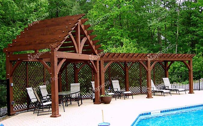 Теневой деревянный навес для отдыха у бассейна