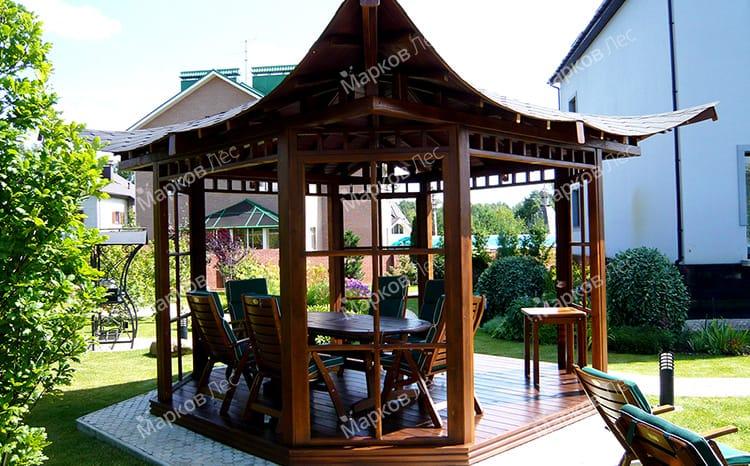 Открытая дачная беседка с крышей в китайском стиле