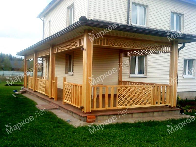 Деревянная пристройка-навес к дому